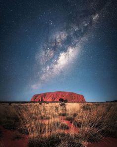 Is there any location more iconically Australian than the Outback? And is there any location in the Outback more iconic than Uluru? Outback Australia, Visit Australia, Australia Travel, Australia Photos, Australia Country, Queensland Australia, Western Australia, Photography Beach, Landscape Photography