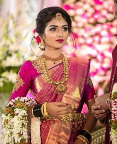 South Indian bride look South Indian Wedding Hairstyles, Bridal Hairstyle Indian Wedding, Indian Wedding Makeup, Bridal Hairdo, Indian Wedding Jewelry, South Indian Bride Jewellery, South Indian Hairstyle, South Indian Makeup, Indian Hairstyles