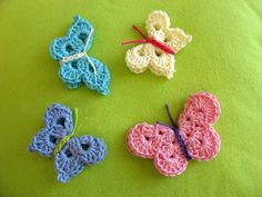Pattern of a butterfly. : Pattern of a butterfly. Nice to cheer up a gift or put it on a hair clip. pattern in dutch Diy Butterfly, Crochet Butterfly, Crochet Birds, Crochet Motifs, Crochet Animals, Crochet Flowers, Crochet Stitches, Crochet Patterns, Butterfly Pattern
