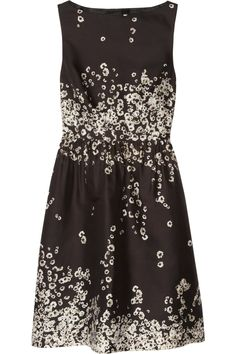 Black and ivory silk and cotton-blend shantung Floral print, ruched waist, side slit pockets, cutout back with button fastenings, fully lined Concealed zip fastening along side 74% silk, 26% cotton Dry clean
