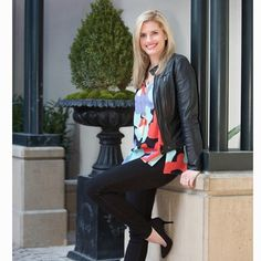 We love love love how this Atlanta real estate agent Elise styled our FAV new top by #AnnieGriffin #instastyle #charlottesstyle #rundontwalk