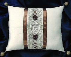ateliersarah's ring pillow/brown ribbon and hemp race