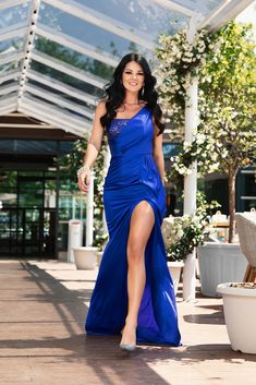 Rochie disponibila pe www.bby.ro Fashion Photography, One Shoulder, Formal Dresses, Summer, Style, Tea Length Formal Dresses, Swag, Summer Time, Formal Gowns