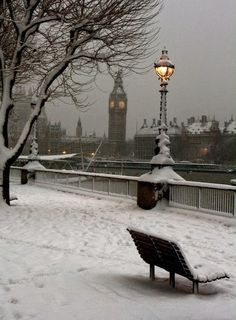"""zuckerpflaumenfee: """" Please let it snow when I'm in London in December. London and snow is just super nice. Oh The Places You'll Go, Places To Travel, Travel Destinations, London Snow, London Winter, London Christmas, Christmas Time, London Rain, Christmas Clock"""
