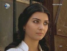 Turkish Actors, My Idol, Best Friends, Hair Makeup, Make Up, Celebrities, Hair Styles, People, Image