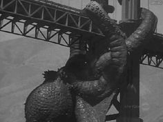 Current mood: Giant octopus climbing on Golden Gate Bridge