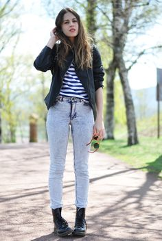 Dr. Martens look jeans shirt striped blue black boots streetstyle fashion tumblr