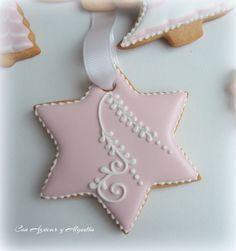 con azúcar y algodón                                                                                                                                                                                 Más Star Cookies, Brownie Cookies, Cupcake Cookies, Cookie Icing, Royal Icing Cookies, Noel Christmas, Christmas Treats, Galletas Cookies, Christmas Cupcakes
