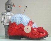 What fun! A pin cushion Wizard of Oz inspired. I would make mine silver in honor of the book.