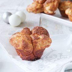 Monkey bread muffins, homemade, delicious for Christmas breakfast. Recipe in English  Apenbrood muffins, een heerlijk recept voor het Kerstontbijt. Recept in het Nederlands