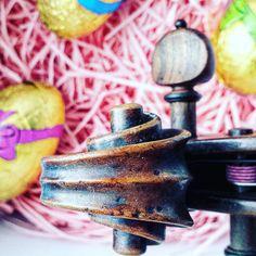 Dzień dobry! Nareszcie w Wielkim Tygodniu praca odrobinę zwalnia tempo. Jest kolorowo!  ___________________________ #violin   #violino   #violinist   #geige   #fiddle   #skrzypce   #muzyka   #musician   #instrument   #wielkanoc   #easteregg   #eastertime   #basket   #eggs   #springfun   #musicmajor   #musicaclassica   #instaclassical   #bestmusicshots   #musicphotography   #shared_joy   #lovely_squares_1   #koszyk   #tv_colors