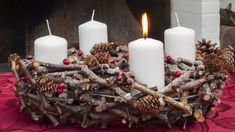 Svaka svijeća na adventskom vijencu ima značenje - evo koje Pillar Candles, Inspiration, Deco, Search, Google, Diy Room Decor, Flowers, Cute Mugs, Gold Stars