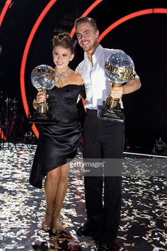 Episode 2111A' - In the two-hour season finale on TUESDAY, NOVEMBER 24, 2015 (9:00-11:00 p.m., ET), the three finalists advanced to the final stage of the competition. Bindi Irwin And Derek Hough