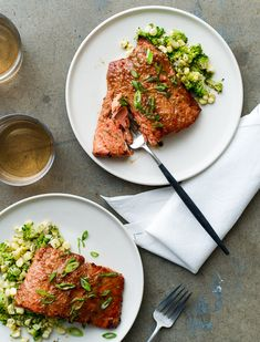 Broiled Miso-Glazed Salmon Recipe- A quick, healthy dinner recipe from @whiteonrice