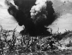 19. Februar 1945 stürmten Zehntausende US-Marines Iwojima. Die Insel ist nur rund 20 Quadratkilometer groß. 1.200 Kilometer südlich der japanischen Hauptstadt Tokio bildete Iwojima einen strategisch wichtigen Punkt im Pazifik. @magnumphotos