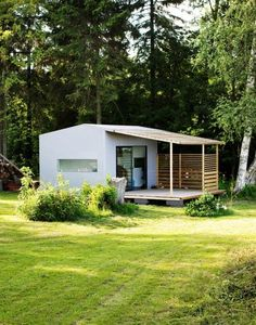 """With a clean, modern look inside and out, the Mini House has a lot more style than your average prefab thanks to design by renowned architect/designer Jonas Wagell of Stockholm. Read moreA """"Popup"""" House You Can Assemble in Just Two Days Prefab Homes, Modular Homes, Tiny Homes, Micro House, Tiny House Living, House 2, Cabins And Cottages, Small Places, Little Houses"""