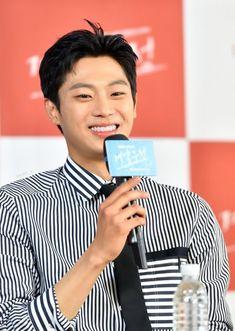 Lee Shin, Hyun Bin, Teen Boys, Korean Men, Asian Boys, Seoul, Dramas, Boy Outfits, Entertainment