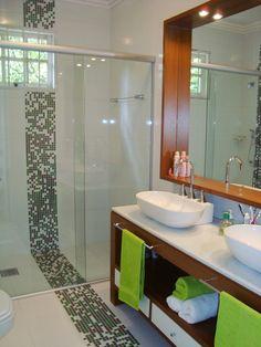 ANTES & DEPOIS - Casa Pro Beautiful Bathrooms, Modern Bathroom, Bathroom Ideas, Decoration Design, Boy Room, Contemporary Style, Home Projects, Corner Bathtub, Home Goods