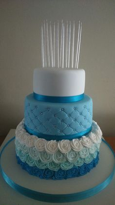 New cake desing vintage sweets Ideas Pretty Cakes, Beautiful Cakes, Amazing Cakes, Cake Pop Displays, Quince Cakes, Cake Decorating Piping, Vintage Sweets, Decoration Patisserie, Quinceanera Cakes