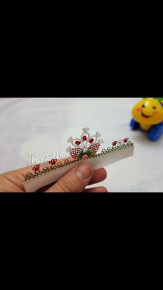 İğne oyası Needle Tatting, Needle Lace, Crochet Decoration, Lace Making, Baby Knitting Patterns, Embroidery Stitches, Crochet Projects, Needlework, Diy And Crafts