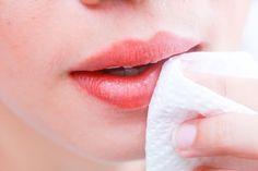 how to lighten dark lips instantly