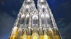 Catedrala Cologne, #Germania  23 de poze cu cele mai frumoase biserici si temple din lume.  Vezi mai multe poze pe www.ghiduri-turistice.info  Sursa : www.pixdaus.com/cologne-cathedral-germany-dominic-kamp-flickr-night-architec/items/view/236310/