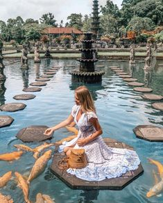 in … 📍🇮🇩 Bali, Indonesia . ・ 🇬🇧 One of my favorite things about Bali was visiting all the temples and immersing myself in the spiritual atmosphere. Voyage Bali, Destination Voyage, The Places Youll Go, Places To Visit, Good Places To Travel, Bali Travel, Luxury Travel, Wanderlust Travel, Travel Goals