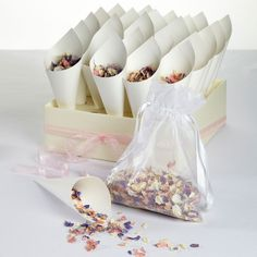 Real Dried Flower Confetti Set Tray & 25 cones and petals - Various Colours - pinned by pin4etsy.com