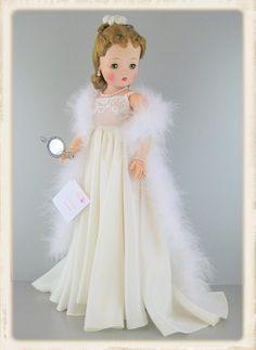 ImageShack - karyn.shaffnerf's Images Pretty Dolls, Beautiful Dolls, Antique Dolls, Vintage Dolls, Crissy Doll, Vintage Madame Alexander Dolls, Glamour Dolls, Bride Dolls, Vinyl Dolls