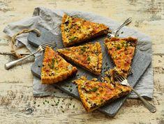 Suppilovahveropiirakka | Valio Vegetable Pizza, Good Food, Bread, Baking, Vegetables, Recipes, Drink, Kitchen, Inspiration