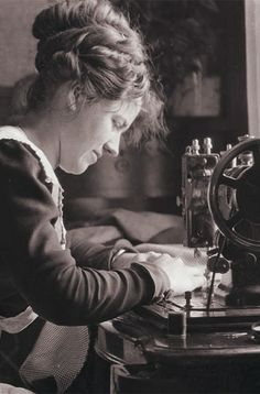 +~+~ Vintage Photograph ~+~+  Woman at her sewing machine