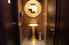 Restaurant bathroom...so goldy!