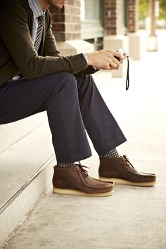 Rich colors and a pop of pattern—so cool with these Clarks Originals Wallabee Chukka Boots. Rugged Look, Clarks Originals, Gq Style, Sharp Dressed Man, Men Looks, Everyday Fashion, Men Dress, What To Wear, Men Casual