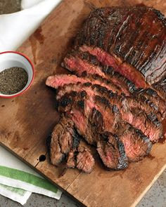 Soy-Marinated Flank Steak Ingredients: 1 cup soy sauce cup packed light-brown sugar 3 tablespoons cider vinegar 1 tablespoon Worcestershire sauce 2 teaspoons Dijon mustard 1 teaspoon red-pepper flakes teaspoon ground pepper 1 flank steak (about 2 pounds) Marinated Flank Steak, Flank Steak Recipes, Steak Dinners, Crockpot Flank Steak, Oven Steak, Teriyaki Steak, Skirt Steak Recipes, Grill Oven, Teriyaki Sauce