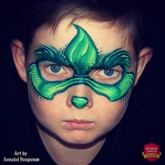 Easy One-Stroke Grinch Mask by Annabel Hoogeveen The Grinch, Grinch Mask, Face Painting Tutorials, Face Painting Designs, Body Painting, Paint Designs, Tinta Facial, Christmas Face Painting, Face Mapping