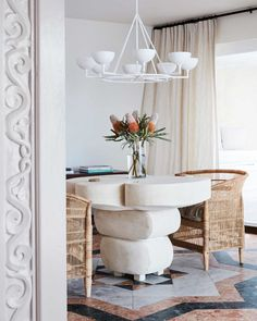 31 Of The Most Brilliant Modern Dining Table Design Ideas - Best Home Ideas and Inspiration Dining Table Design, Modern Dining Table, Dining Tables, Dining Rooms, Unique Furniture, Furniture Design, Art Furniture, Chair Design, Mcm House