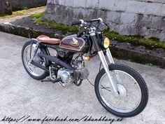 Honda Motorcycles, Cars And Motorcycles, Brat Motorcycle, Motorised Bike, Motorcycle Manufacturers, Cafe Racer Bikes, 3rd Wheel, 50cc, Classic Bikes