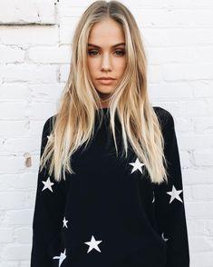 Brandy ♥ Melville   ALANIS STAR SWEATER