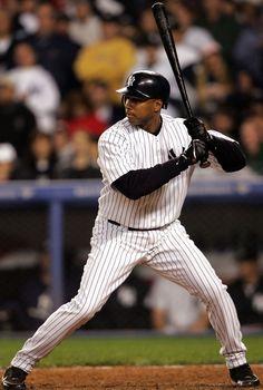 Bernie Williams - OF. My favorite Yankee of all time. Damn Yankees, Yankees Fan, New York Yankees Baseball, Mlb Players, Baseball Players, Baseball Uniforms, Equipo Milwaukee Brewers, Bernie Williams, Mlb The Show