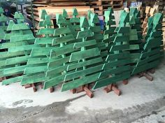 Finding Pallets for DIY Projects - Nature's Packaging Reclaimed Lumber, Sustainable Practices, Trash To Treasure, Pallet Art, Wood Pallets, Crates, Vegetarian Recipes, Recycling, Decorating Ideas