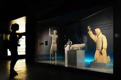 Blick in die Ausstellung «Qin – Der unsterbliche Kaiser und seine Terrakottakrieger» . (c) Bernisches Historisches Museum, Bern.