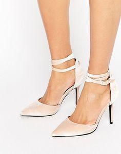 Get this Shoelab's pumps now! Click for more details. Worldwide shipping. ShoeLab Tie Ankle Court Shoe - Beige: Shoes by ShoeLab, Velvet upper, Ankle-strap fastening, Pointed toe, High heel, Wipe with a damp sponge, 100% Textile Upper. (zapatos de salón, salon, court, courts, pumps, zapatillas, escarpins, tacchi alti, salón)