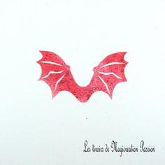ailes transparentes rouge pailletées dragon ou chauve-souris 5 cm Transparent, Leaf Tattoos, Scrapbooking, Polyester, Halloween, Photos, Red, Romania, I Want You
