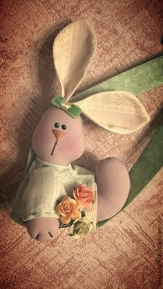 Mimin toys: festival de coelhinhos - 2 Happy Easter, Easter Bunny, Spring Crafts, Easter Crafts, Free Pattern, Diy And Crafts, Sewing Patterns, Holiday, Handmade
