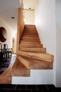 Mom's Turf: A Lovely Estate Stairs Makeover estate Lovely Turf Wooden Staircases, Wooden Stairs, Stairways, Garage Stairs, House Stairs, Timber Stair, Stair Railing, Escalier Design, Stair Makeover