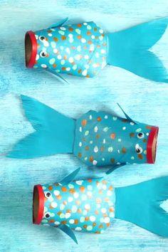 Peces de Cartón 3d Paper Crafts, Paper Crafts For Kids, Diy And Crafts, Arts And Crafts, Paper Fish, Ocean Themes, Teacher Hacks, Origami Paper, Under The Sea