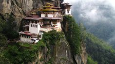 Temples in the Sky: 7 Sacred Mountaintop Sites (PHOTOS) - weather.com