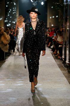 The Dolce&Gabbana #DGSecretsDiamonds Women's Fashion Show.  #DGFW19 #mfw #DGWomen #DolceGabbana #DGMillennials #FashionSinner #lamodaèbellezza