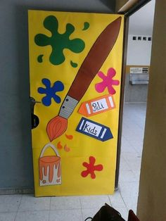 First Day of School: Class Design Board Decoration, Class Decoration, Art Room Doors, Preschool Door, Art Bulletin Boards, School Door Decorations, Paint Themes, School Doors, Class Design