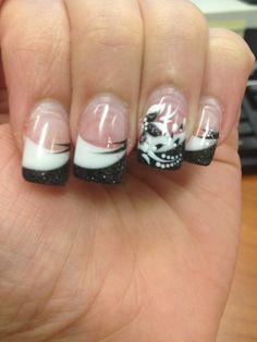 B&W nails